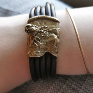 Stag screw lock bracelet